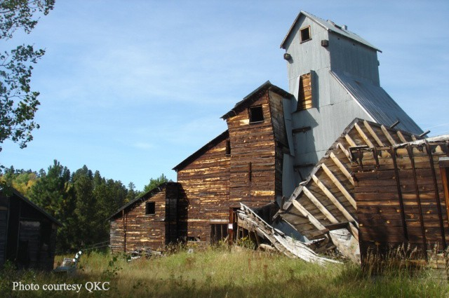 History on the Lawn: The Ghost Town of Tinton, South Dakota